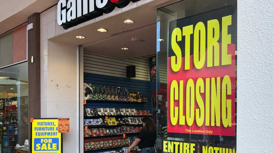 GameStop Closing 1